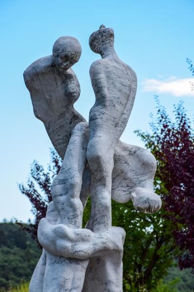 Particolare del Monumento ai caduti di Sanzeno